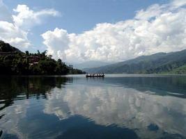 Непал, озеро Пхева
